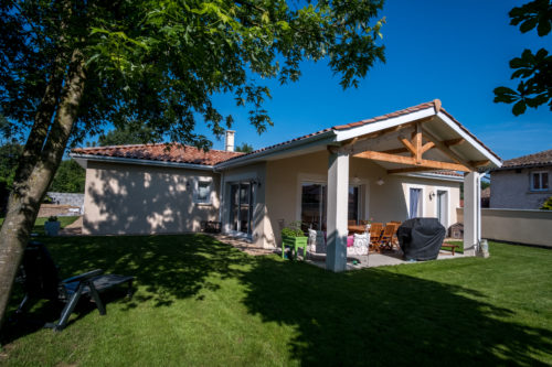 Villa traditionnelle de plain-pied de 118,48 m2 située dans l'Ain