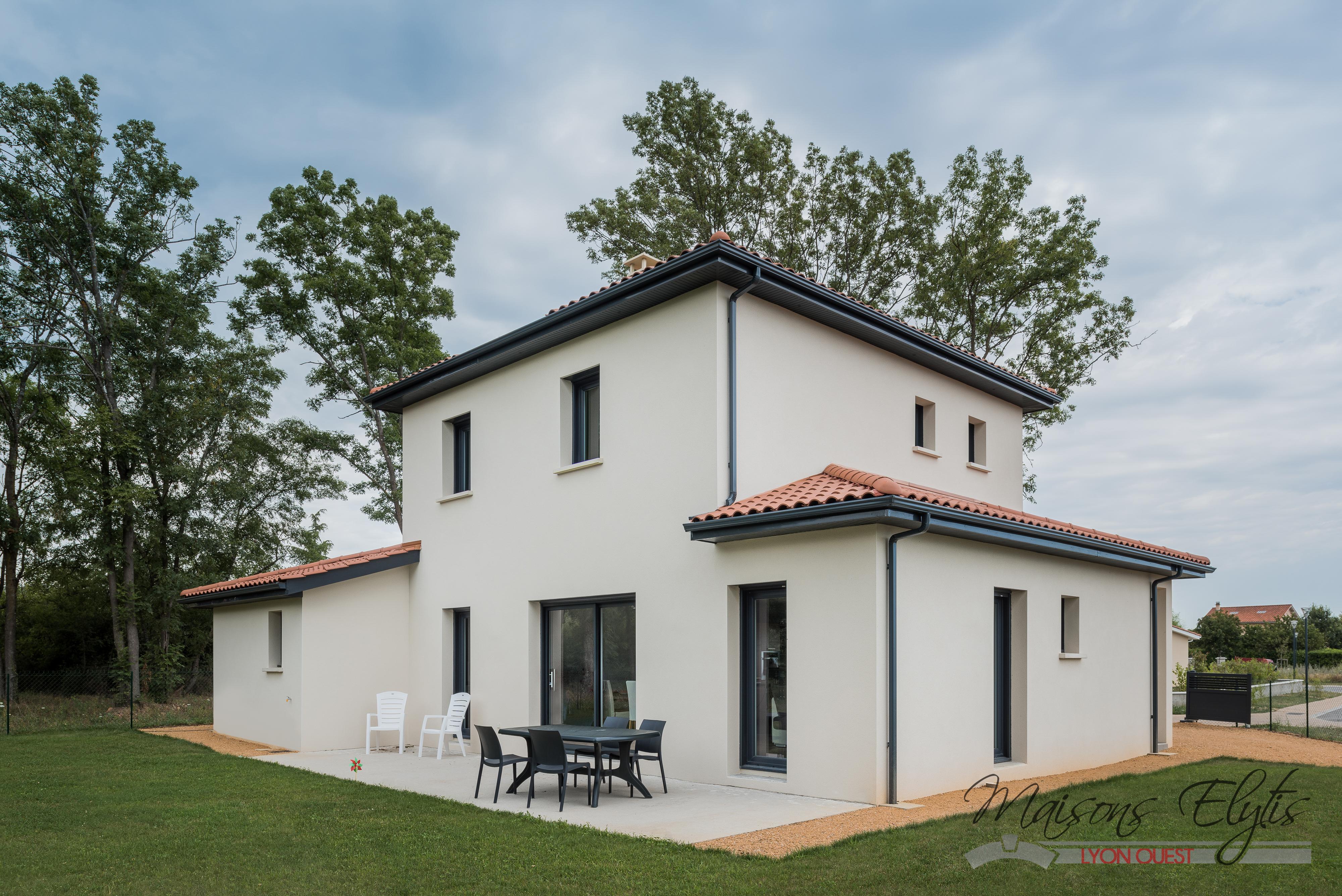 Maisons passives maisons elytis lyon ouest for Constructeur maison sud est