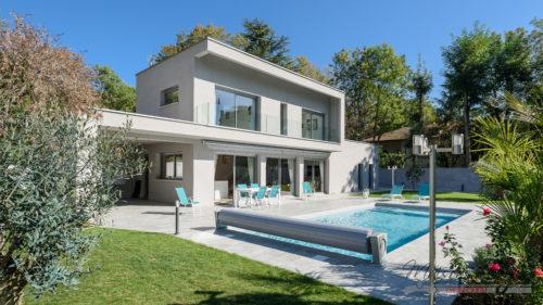 Maison Moderne et Contemporaine avec Piscine à l'Ouest de Lyon