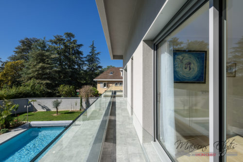 Maison l charbonnieres hd 18 maisons elytis lyon ouest for Constructeur piscine lyon
